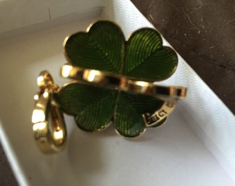 Good Luck Green four Leaf Clicer Juicy Vintage Charm
