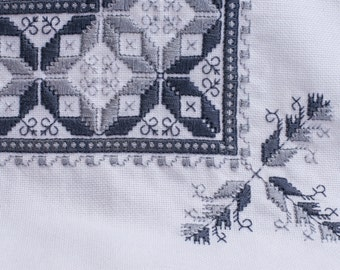 Handmade lagartera embroidery tablecloth