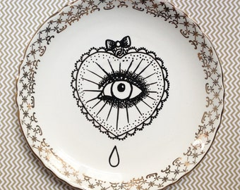 "Small decorative plate ""Tattoo"""