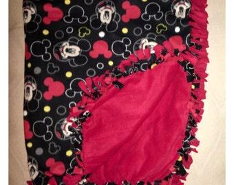 Knotted blanket, Fleece knotted blanket, Fleece blanket, Double sided blanket, Mickey Mouse blanket, Mickey blanket, Blankets