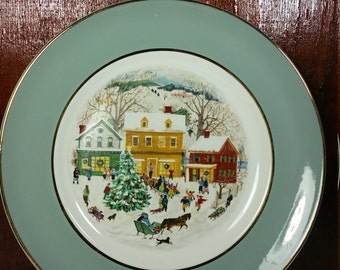 Avon 1980 Christmas Plate Series Eighth Edition County Christmas Plate * England Porcelain Gold Trim Collectible Decor