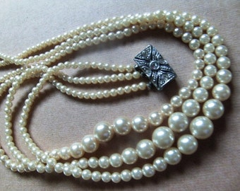 Vintage 1940's Pearl Necklace