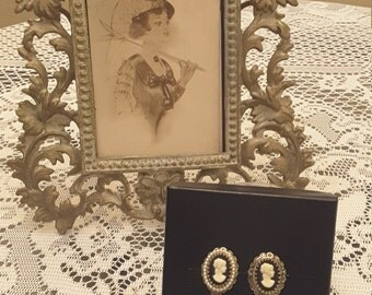 Vintage Coro clip on Cameo and faux pearl earrings / gold tone / victorian