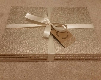 Glitter effect placemats. Set of 4