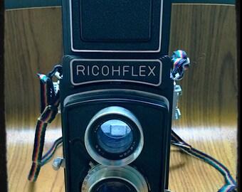 "Ricohflex ""Dia"" TLR Camera with Original Leather Case"
