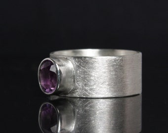 Silver ring with Amethyst -- Design ring made of 925 Sterling Silver - Gemstone Ring