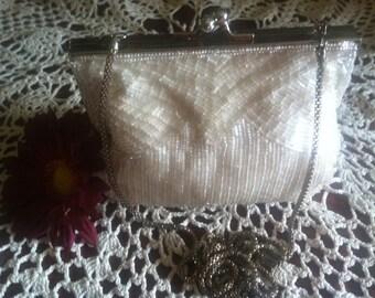 Vintage Magid Ivory Beaded Evening bag, Kiss Lock Closure, Hand Made in Macau.Ivory Beads, Gold Chain, Vintage beaded Purse, Evening Bag.