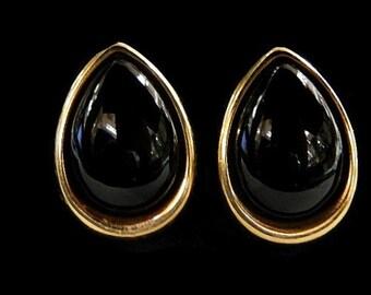 GOLD ONYX EARRINGS