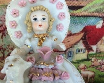 Lefton Mary Had a Little Lamb figurine