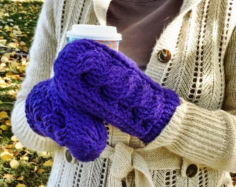 CROCHET PATTERN/True North Cabled Mitten Pattern/Cabled Mitts/Crocheted Mittens/Cabled Mittens/Mitten Pattern/Mitts/Mittens/Crochet Cables