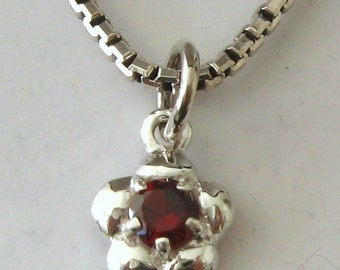 Genuine SOLID 925 STERLING SILVER January Birthstone Garnet Daisy Pendant