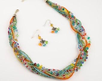 Spring multistrand necklace set