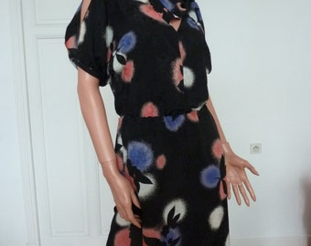 Vintage 80s Dress Super Flattering Shape Floral Cutout Neckline Pink Blue