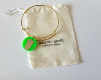 Coffee Cup Acrylic Charm Bangle//Adjustable Wire Bangle//Stackable Bangle//Acrylic Disc