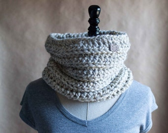The Eden // simple chunky crocheted cowl neckwarmer // available in many color options