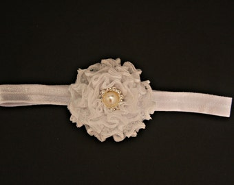 Flower bow headband. Wedding headband for children.  Delicate pearly button.