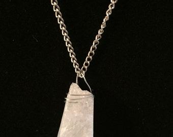 Rough quartz pendant