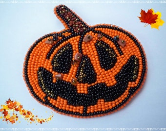 Snap Pumpkin - Bead embroidery