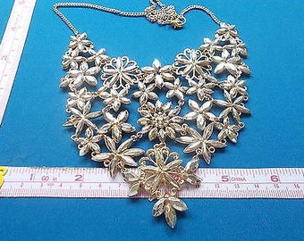 Vintage Collar Necklace with Rhinestones