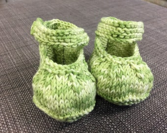 Variegated green (0-3 months) Baby Booties
