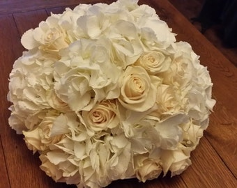 Florals, Flowers, Flower arrangment, Sphere, Fresh, Made to order,