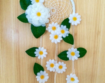 Beautidul Hand Made Daisy Dreamcatcher