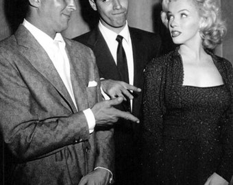 Dean Martin and Jerry Lewis Flirt With Marilyn Monroe Prior to Receiving Award - 5X7 or 8X10 Publicity Photo (AA-893)