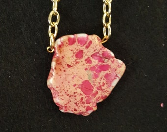 Pink/cream and a fleck of green agate necklace