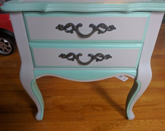 French Provincial END Table/Night Stand/Accent table