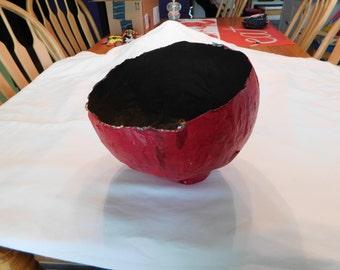Red Papier-mâché  vase