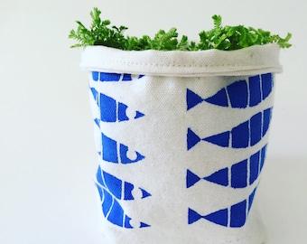 Graduated fish plant cozy canvas bag