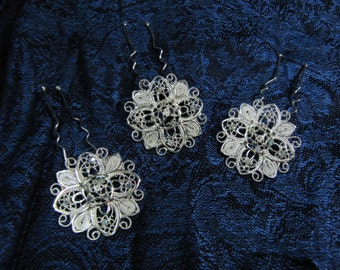 3 fine 999 silver filigree set of wild flowers hair pieces.
