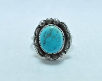 T11B08 Victorian Style Vintage Raised Blue Stone Sterling Silver Ring Sz 8.25