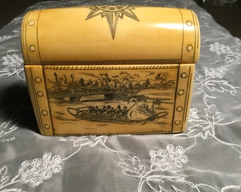 Vintage Scrimshaw Style Boston Box