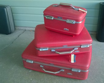 Vintage suitcases -red
