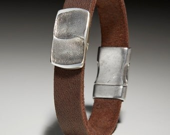 Leather Bracelet with double Fingerprintplatte