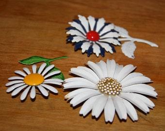 Vintage Flower Pins (60's-70's)