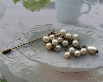 SALE! ! !  Vintage Inspired Dangly Pearl Hijab Pin