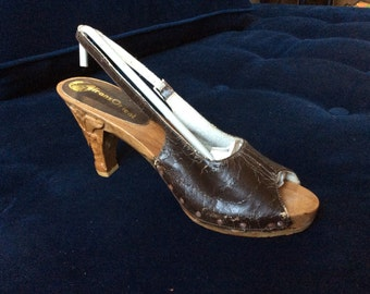 Deadstock Carved Wood leather slingback heels- sz 6