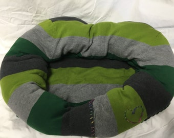 Green and gray sweater pet bed