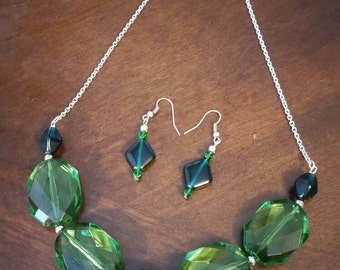 Green beaded statement necklace and earring set