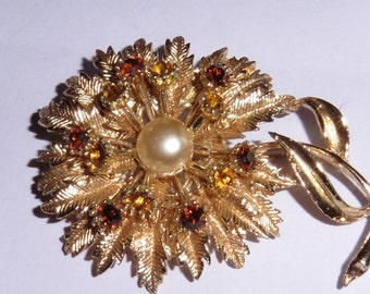 Vintage Gold Plated Brooch amber stones