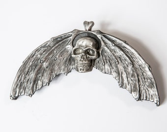 On The Wings Of A Skull, Pewter Sporran Cantle