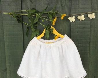 Baby girl linen skirt; white linen skirt; linen girl natural skirt; Baby girl linen white skirt; linen skirt with lace;