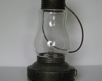 Vintage Ever Ready Co tin lithographed battery lantern