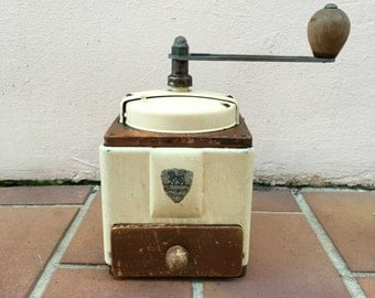 VINTAGE FRENCH c1940s PEUGEOT freres coffee grinder rare metal wood cream colour