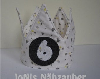 Birthday Crown included the numbers by 1 9