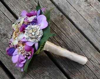 Purple vintage brooch and flower bouquet - Ready to Ship!