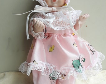 Porcelaine doll