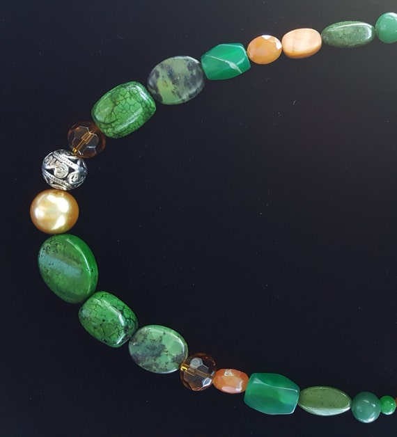 Jade Necklace / Green Jasper Necklace / Forrest Colors / Natural Stone Jewelry / Boho Jewelry / Hippie Necklace / Stone Necklace / NA61063
